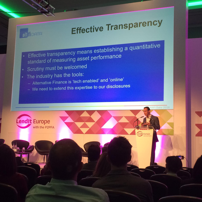 Slide de AltFi sur la transparence à LendIt 2016, factuels, grand hôtel acteurs